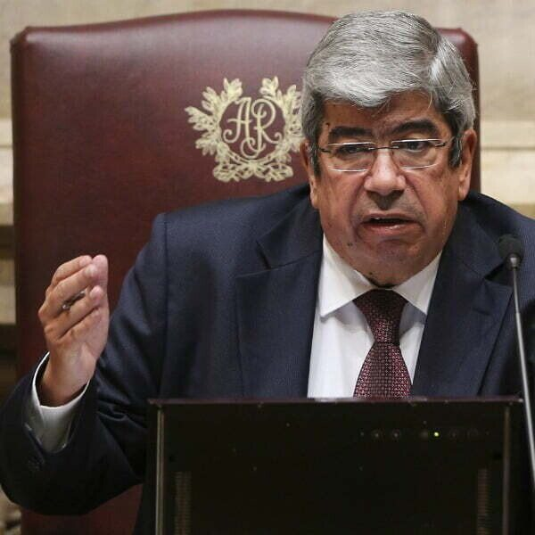 Ferro-Rodrigues_parlamento.jpg